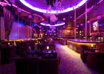 635971429880471807951421387_stripclub